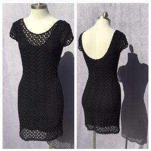 Sexy lace crochet body con mini LBD